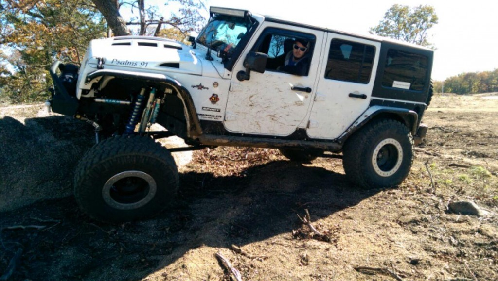 Jeep wrangler JK flexing with Heat Reduction Hood