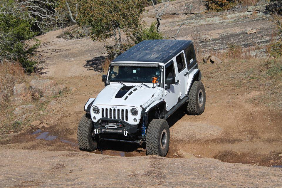 Jeep Wrangle Heat Expulsion Hood white and black