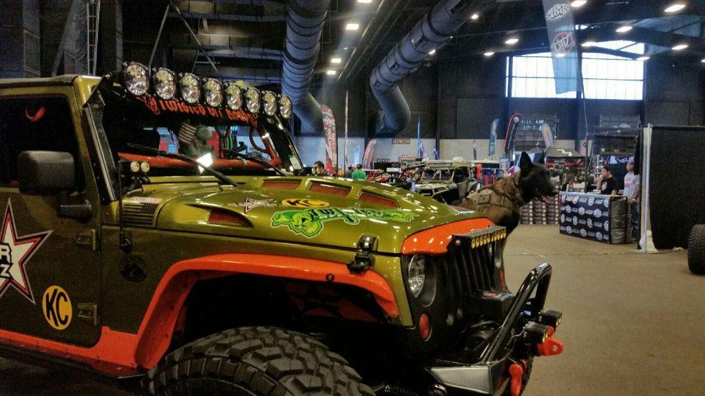 Jeep power done hood