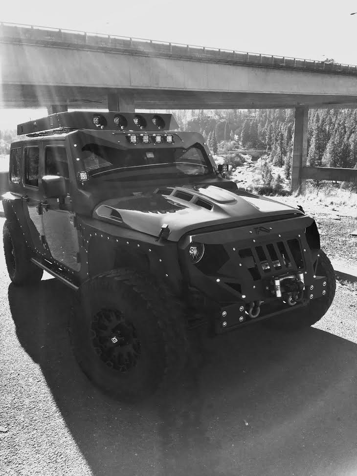 Jeep Wrangler Hood with Fab Fours Grumper Bumper