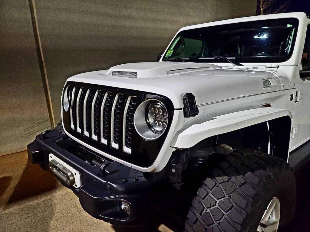 Jeep Gladiator JT Heat Expulsion Hood